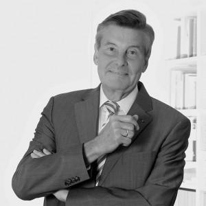 Portrait von Dr. Erich Brazel